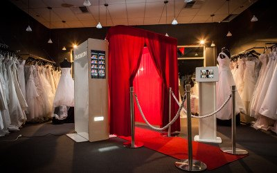 WHY HIRE A PHOTO BOOTH?
